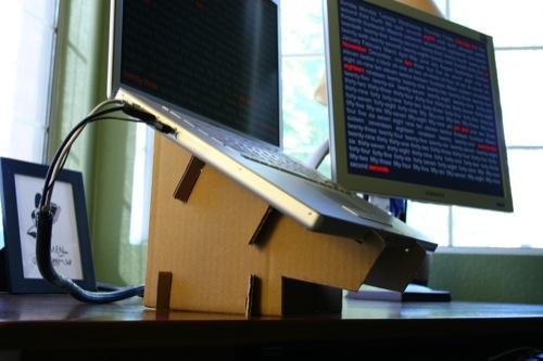 The Diy Cheapskate Laptop Stand The Closet Entrepreneur